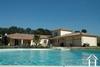 Villa cossue avec piscine chauffée sur endroit privilégié Ref # 11-3151